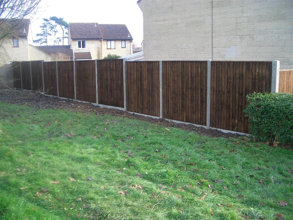 PRESSURE TREATED CLOSE BOARD PANELS ON SLOTTED CONCRETE POSTS, BRIDGWATER