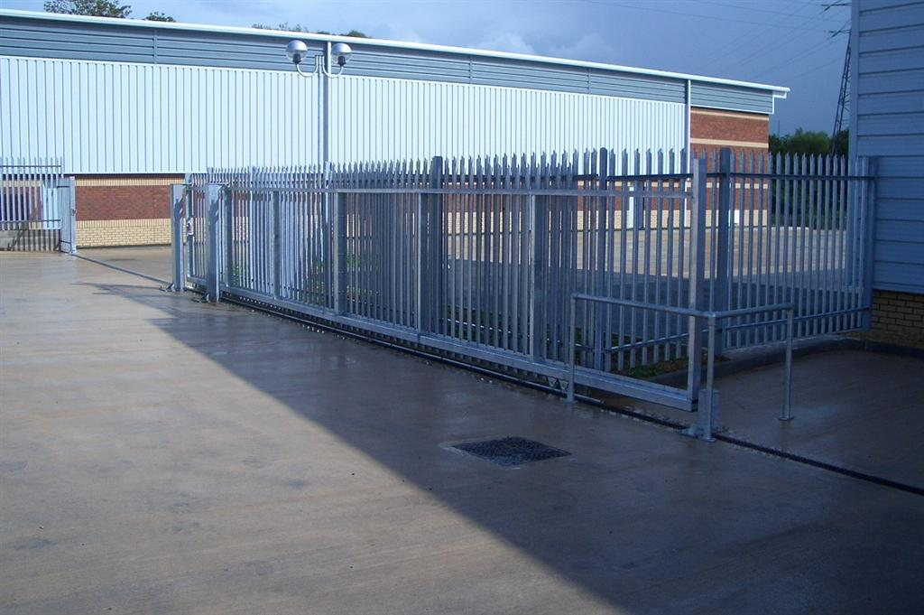 Steel palisade sliding gates in Somerset