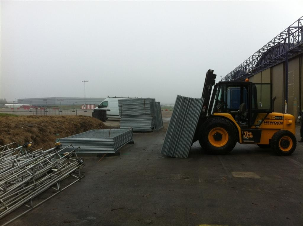 2KM OF TEMPORARY FENCING FOR BAE ON THE FILTON AIRFIELD
