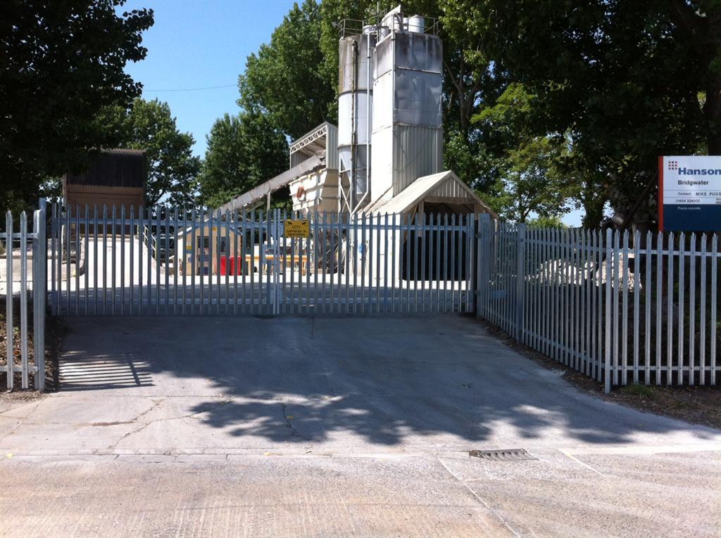 Steel palisade gates Bridgwater