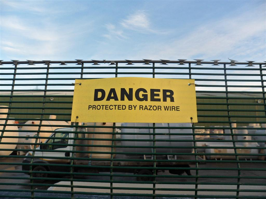 MESH SECURITY FENCING CONTRACTORS, BRISTOL, BATH, EXETER, AVONMOUTH, SOMERSET