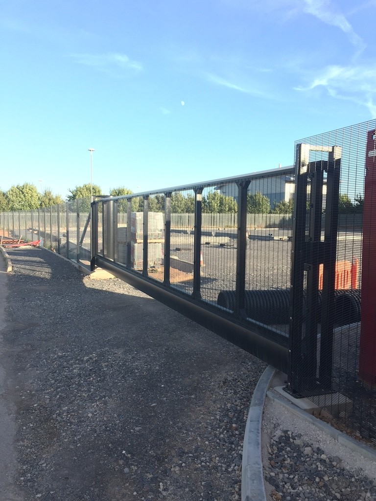 9.5m wide manual cantilever sliding gate, fencing & all groundworks for Pynes of Somerset, Jcy 24 Bridgwater